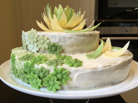 Courgette & lime cake with chocolate flower